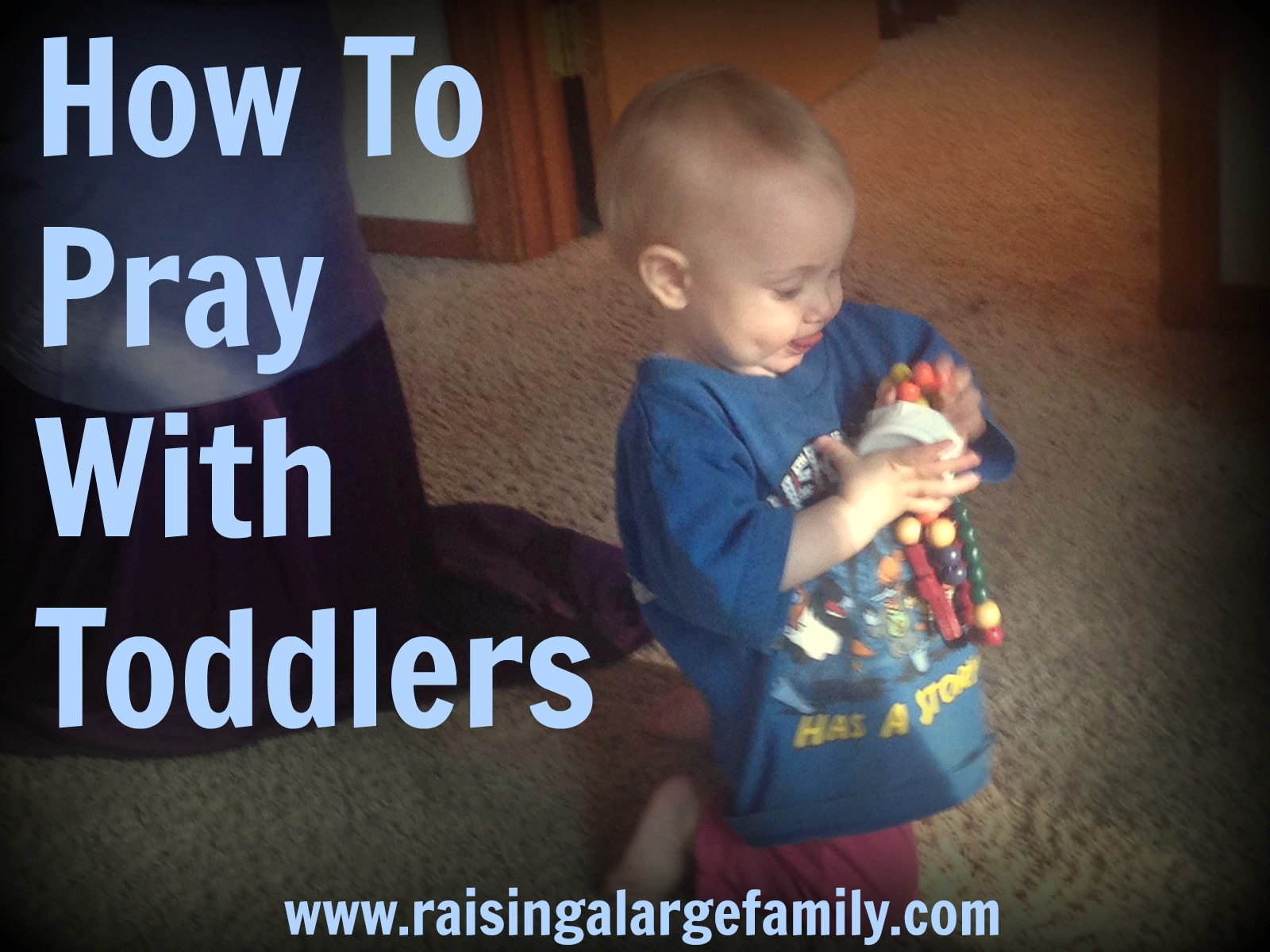 Saying family prayers can be tough! Here's how to say prayers as a family with toddlers.